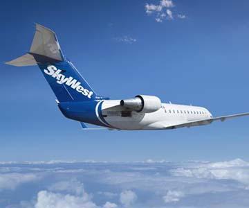 SkyWest airplane